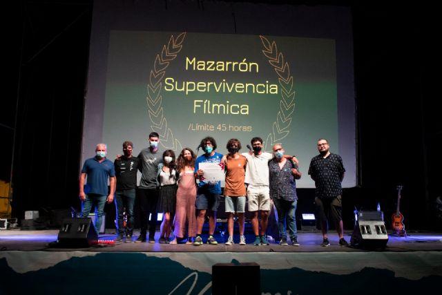 Twin Freaks gana la IV edición del Festival Supervivencia Fílmica con el cortometraje alcanzar el vórtice, Foto 5