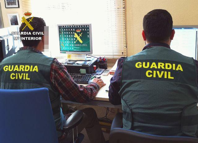 La Guardia Civil detiene a un joven por la compra fraudulenta de seis mil litros de aceites industriales, Foto 1