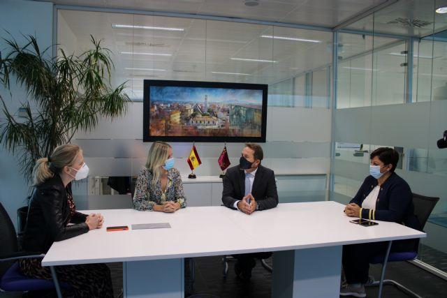 Martínez Vidal visita Torre Pacheco para conocer la situación del comercio e informar de las ayudas puestas en marcha por la crisis sanitaria - 1, Foto 1