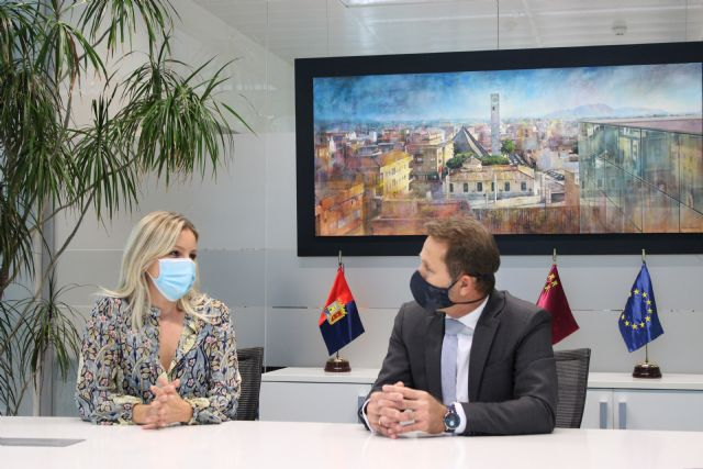 Martínez Vidal visita Torre Pacheco para conocer la situación del comercio e informar de las ayudas puestas en marcha por la crisis sanitaria - 2, Foto 2