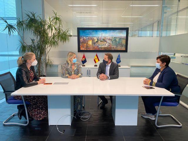El Alcalde de Torre Pacheco recibe a la Consejera de Empresa, Industria y Portavocía - 1, Foto 1