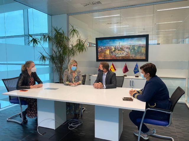 El Alcalde de Torre Pacheco recibe a la Consejera de Empresa, Industria y Portavocía - 2, Foto 2