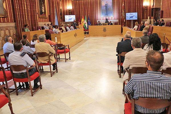 El Salón de Plenos del Ayuntamiento de Sevilla ha acogido una ponencia sobre la Vigilancia Espacial en el Ejército del Aire y el papel de la mujer - 3, Foto 3