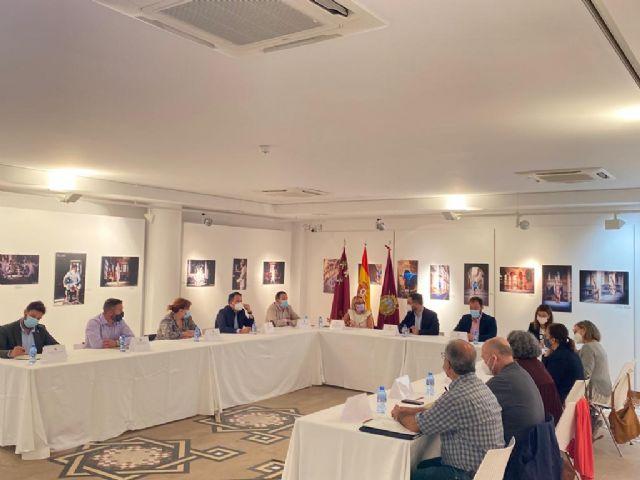 El alcalde de Lorca sostiene que la recuperación del casco histórico requiere de un plan integral que abarque el aspecto patrimonial y social de vivienda, urbanístico, comercial y de ocio - 2, Foto 2