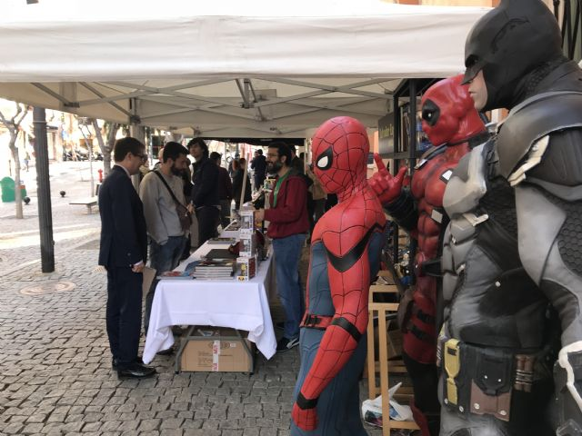 Un centenar de emprendedores murcianos sacan a la calle sus ideas de negocio en la II Feria de Proyectos Empresariales - 3, Foto 3