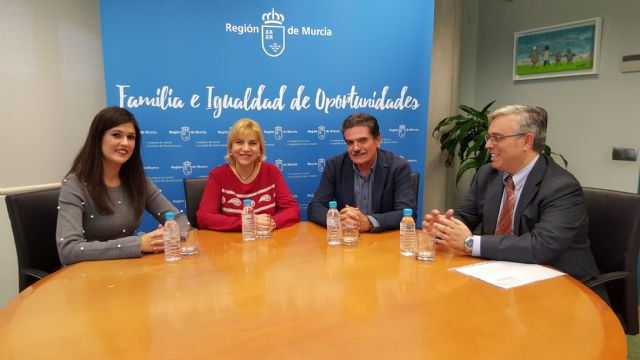 Familia destina 155.500 euros a los programas de empleabilidad para colectivos vulnerables de Cruz Roja - 1, Foto 1