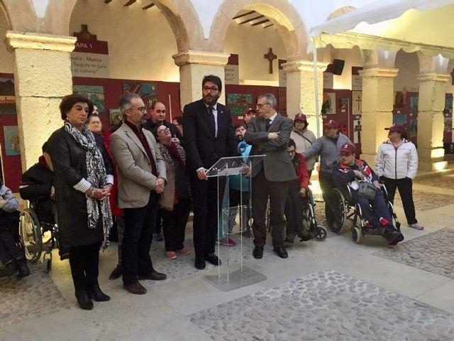 Una exposición muestra la visión de personas con discapacidad sobre las etapas de peregrinación del Camino de Levante - 1, Foto 1