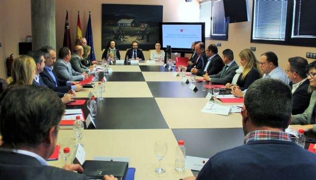 Fomento autoriza actividades económicas en la Región que han supuesto una inversión de 44 millones y la creación de 1.000 empleos, Foto 1