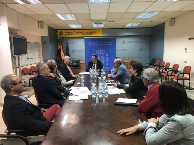 Municipal authorities accompany those affected by the High Voltage Line of the Photovoltaic Plant in their meeting with the Government delegate in Murcia