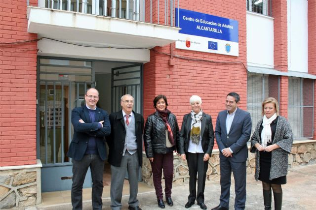 Puesta en funcionamiento de la nueva Aula de Estética en el Centro de Educación de Adultos de Alcantarilla, así como la remodelación de instalaciones - 1, Foto 1