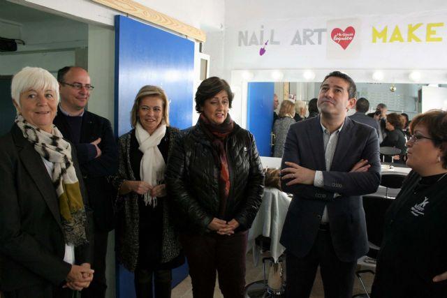 Puesta en funcionamiento de la nueva Aula de Estética en el Centro de Educación de Adultos de Alcantarilla, así como la remodelación de instalaciones - 3, Foto 3