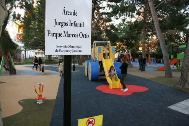 Abierta al público la nueva área de juegos infantiles del parque municipal