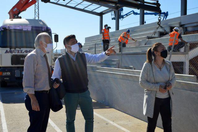 El campo de fútbol municipal Onofre Fernández Verdú ya luce renovado su césped artificial - 2, Foto 2