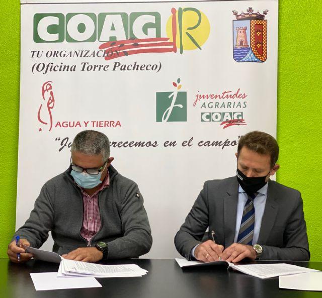 El Ayuntamiento de Torre Pacheco renueva convenio de colaboración con la Asociación de Agricultores y Ganaderos de Torre Pacheco, COAG - 2, Foto 2