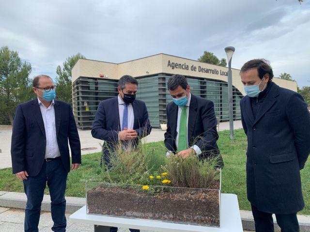 Comunidad y Ayuntamiento de Alcantarilla instalarán una cubierta verde para aprovechar las aguas pluviales y mejorar la eficiencia energética - 2, Foto 2