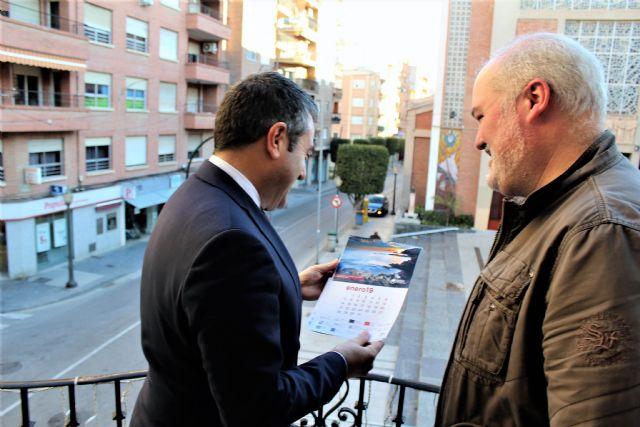 La Sociedad Geográfica de la Región de Murcia entrega al alcalde el calendario para 2019 elaborado con bellos paisajes de la geografía regional - 3, Foto 3