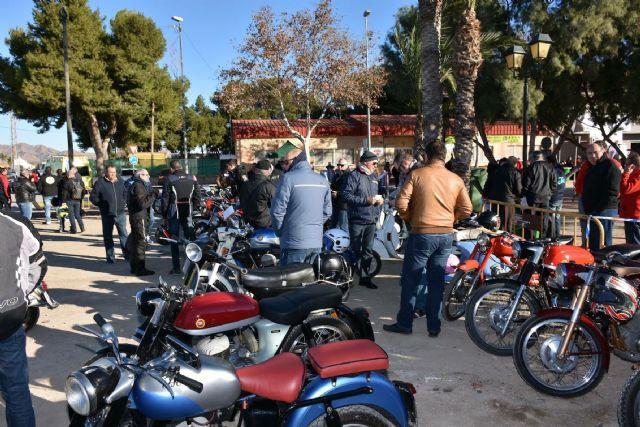 Más de 2.000 personas se dieron cita el pasado domingo en Santa Rosalía, con motivo de la VII Concentración de Vehículos Clásicos - 2, Foto 2