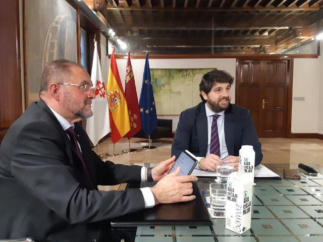 El alcalde obtiene el compromiso de López Miras de desatascar el Plan General, mejorar la situación económica y crear un frente común en materia de infraestructuras que beneficie al interés general del municipio