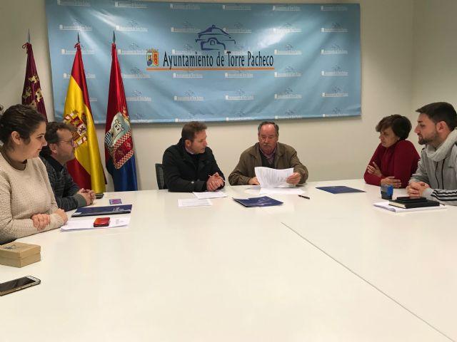 El Ayuntamiento y la Asociación Músico Folklórica Virgen de los Dolores renuevan convenio de colaboración - 3, Foto 3