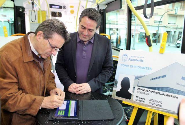 El Ayuntamiento de Alcantarilla suscribe un convenio con la empresa de autobuses LAT, en el que aumenta la oferta de transporte público bonificado para los estudiantes de nuestro municipio - 2, Foto 2