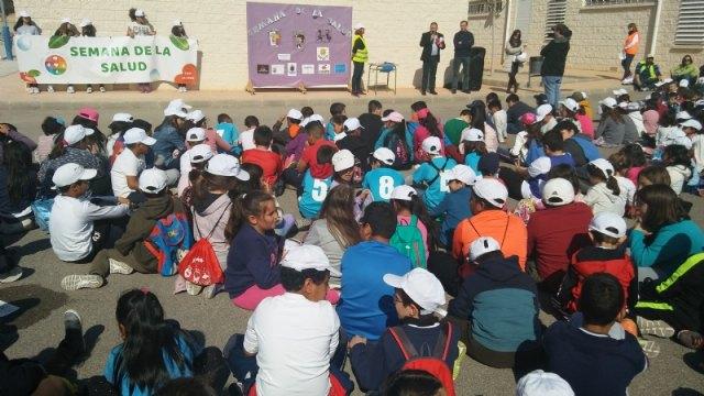 """Autoridades municipales asisten al acto de clausura de la XII Semana de la Salud que ha organizado el CEIP """"La Cruz"""" de Totana - 1, Foto 1"""