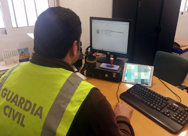 La Guardia Civil esclarece una treintena de estafas por la venta fraudulenta de pólizas de seguro en Lorca, Foto 1