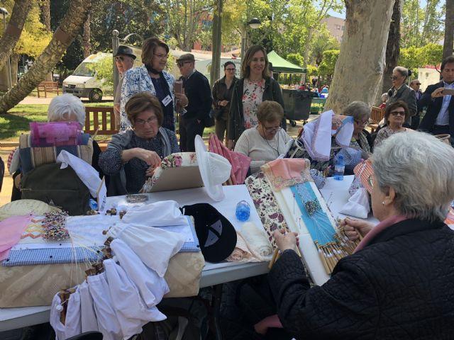 El Jardín de la Pólvora acoge el XVII Encuentro Nacional de Encajeras con más de 500 participantes - 2, Foto 2