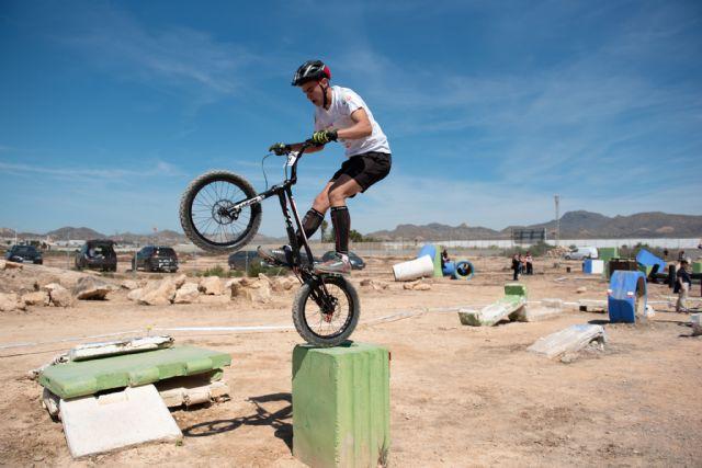 Medio centenar de ciclistas compite en el campeonato de trial de Mazarrón - 2, Foto 2