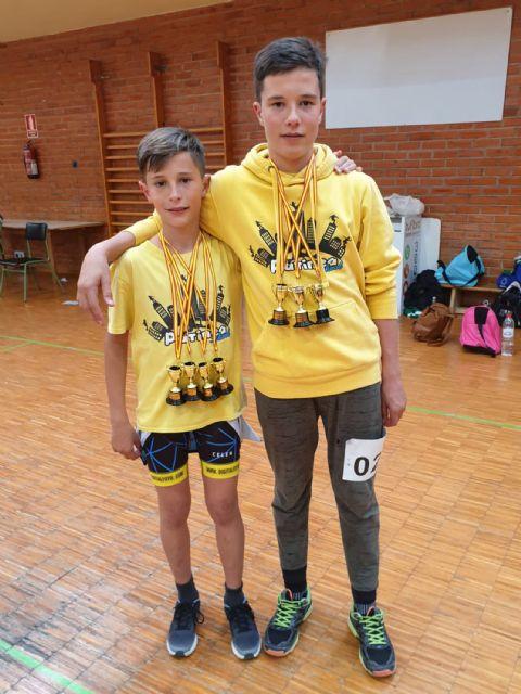 Los hermanos Peñalver se cuelgan siete oros en el regional de freeskate - 1, Foto 1