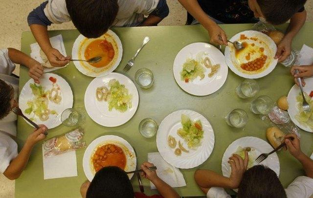 Abierto hasta el próximo 5 de mayo el plazo para solicitar becas de la Comunidad Autónoma dirigidas a costear el servicio de comedor escolar
