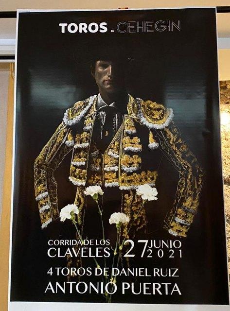 """Presentada la """"Corrida de los claveles"""" - 2, Foto 2"""