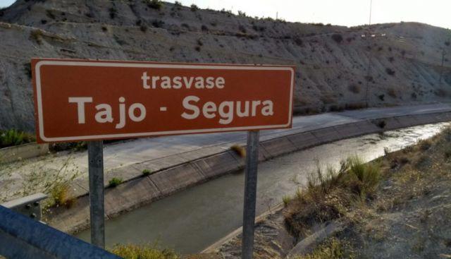 El grupo municipal del PP presenta una moción contra los recortes del Gobierno central al Tajo-Segura, que supondrán una subida de más del 30 por ciento en el precio del agua - 1, Foto 1