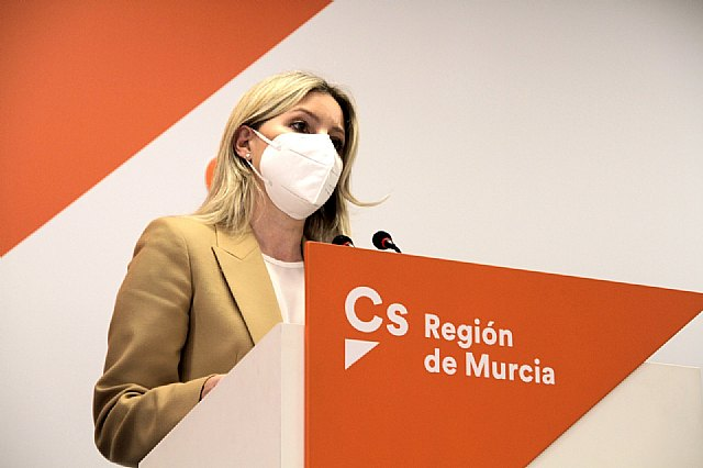 Ciudadanos denuncia la falta de rigor del Gobierno regional en el proceso de vacunación