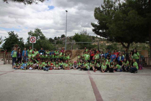 Los niños de Conectando Pedanías simbolizan en El Berro la unión entre sus centros, Foto 2