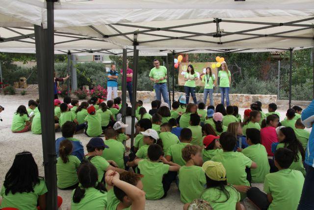 Los niños de Conectando Pedanías simbolizan en El Berro la unión entre sus centros, Foto 3