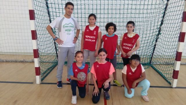 El próximo viernes finaliza la Fase Local de Balonmano de Deporte Escolar con las finales y entrega de trofeos, Foto 1
