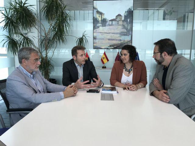 El Alcalde y la Concejala de Servicios Sociales se reúnen con el Director Gerente del Servicio Murciano de Salud y el Director Gerente del Área VIII Mar Menor - 1, Foto 1