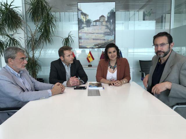 El Alcalde y la Concejala de Servicios Sociales se reúnen con el Director Gerente del Servicio Murciano de Salud y el Director Gerente del Área VIII Mar Menor - 2, Foto 2