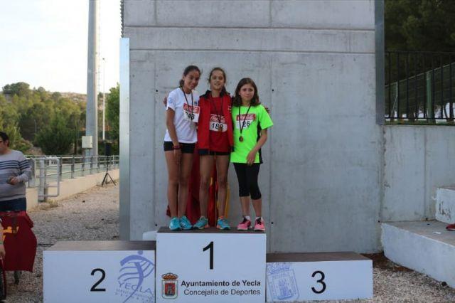 El atletismo escolar de Alhama suma varias medallas en la final regional por equipos, Foto 1