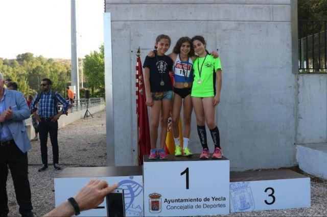 El atletismo escolar de Alhama suma varias medallas en la final regional por equipos, Foto 6