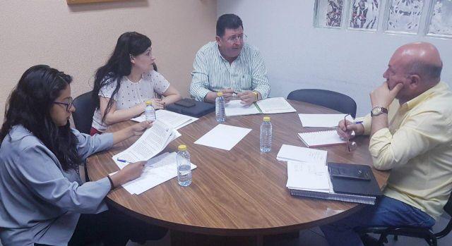 AIDMUR introduce las reivindicaciones del profesorado interino en el debate electoral - 3, Foto 3