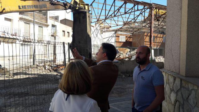 Arrancan los trabajos de derribo prometidos por Fulgencio Gil para dotar al barrio de San Cristóbal de una nueva zona verde de 1.034 m2 - 2, Foto 2