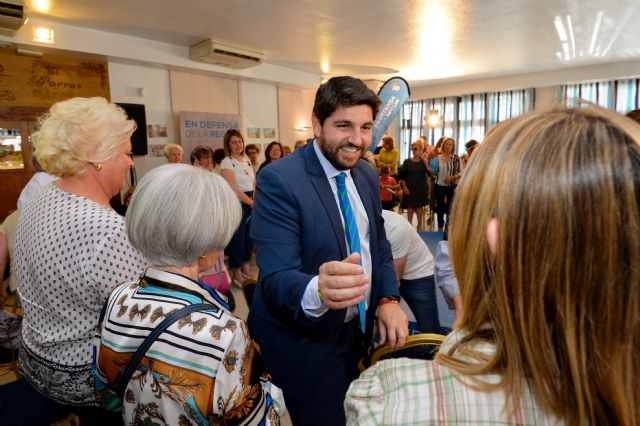 López Miras: Aprobaremos un Plan de Igualdad de Oportunidades que facilitará la conciliación y reducirá la brecha salarial  - 3, Foto 3