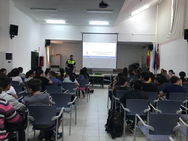 La Policía Local advierte a los menores sobre los riesgos de un mal uso de las TICs - 3, Foto 3