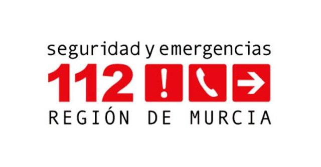 Trasladan al hospital a una mujer tras el incendio de una vivienda en Alhama de Murcia - 1, Foto 1