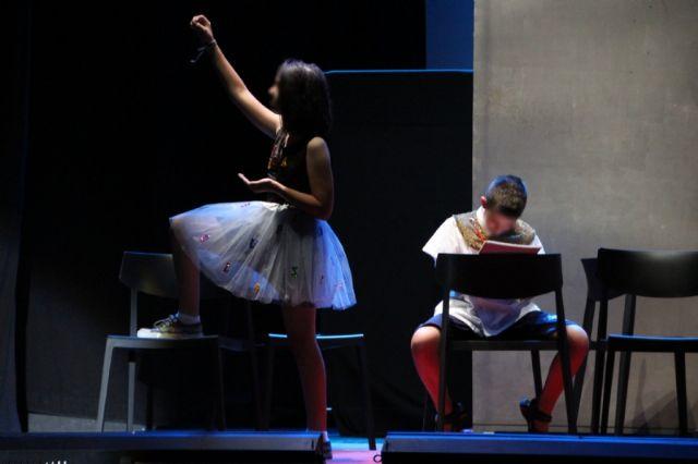 Segunda jornada de muestras fin de curso de los talleres municipales de teatro, Foto 4