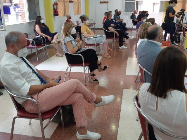 Expertos y responsables técnicos y políticos analizan la correlación de los factores sociales en el impacto del COVID-19 en el municipio de Totana, Foto 2