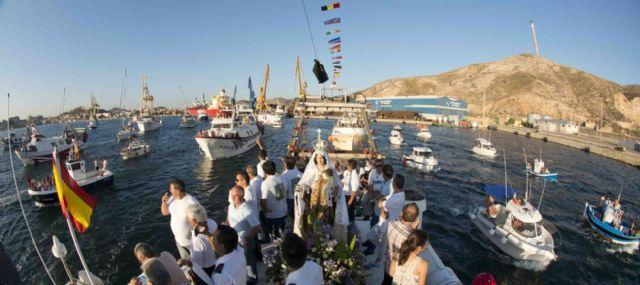 La Virgen del Carmen se hace de nuevo a la mar para festejar su día - 1, Foto 1