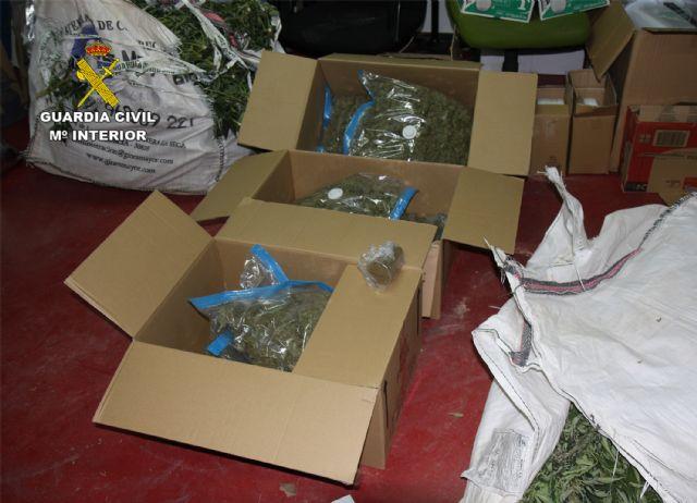 La Guardia Civil desmantela una activa y peligrosa organización criminal dedicada al tráfico de drogas y al vuelco a otros traficantes de drogas - 2, Foto 2