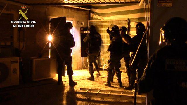 La Guardia Civil desmantela una activa y peligrosa organización criminal dedicada al tráfico de drogas y al vuelco a otros traficantes de drogas - 3, Foto 3